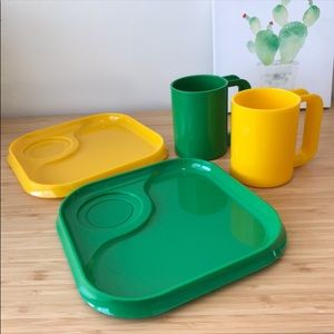Vintage INGRID plastic stackable plate & cup set